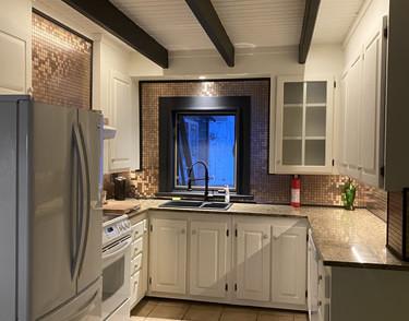 chalet chimo-kitchen8.jpg