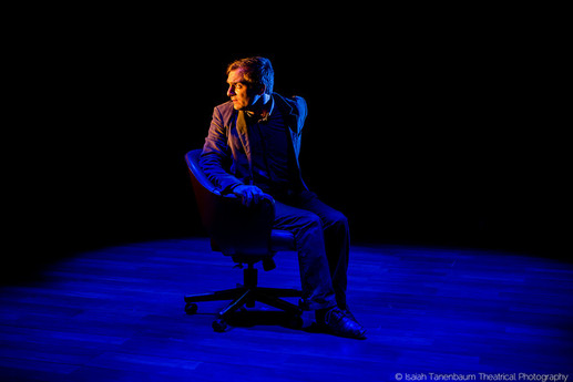 "Michael Propster in Lasha Bugadze's ""Navigator in Love"" (Isaiah Tanenbaum: Theatrical Photography)"