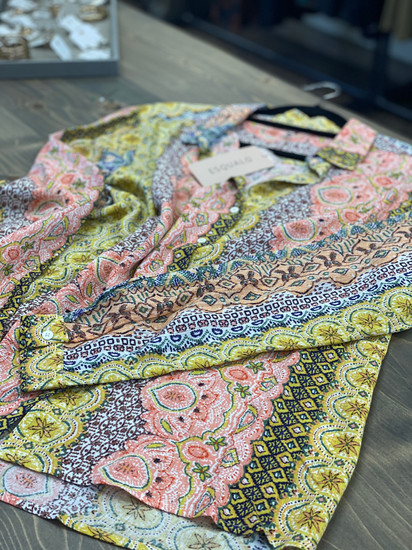 Top - Patterned Blouse