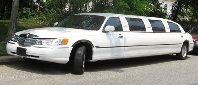 98-02_Lincoln_Town_Car_limousine.jpg