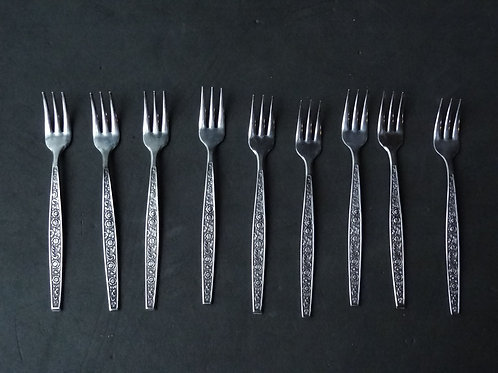 8 petites fourchettes