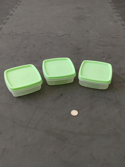 3 mini plats de plastique