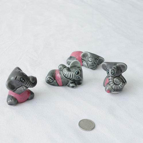4 petits éléphants