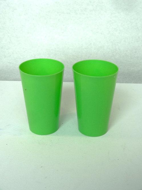2 verres de plastique
