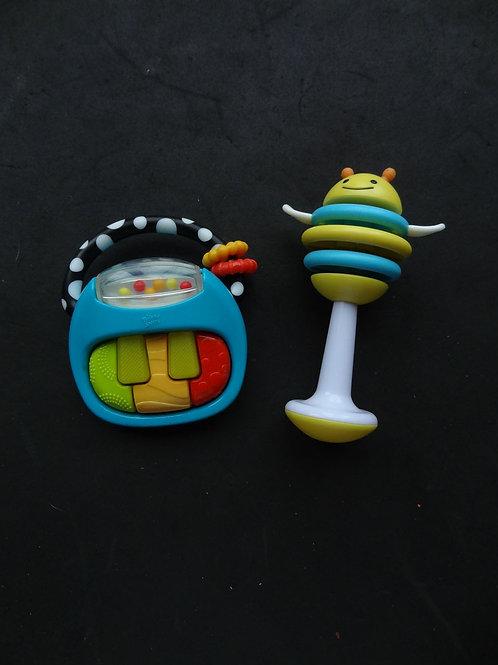 2 jouets pour bébé