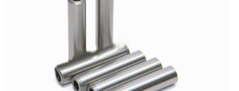 3904409 Направляющие выпускных клапанов 4BT/6BT