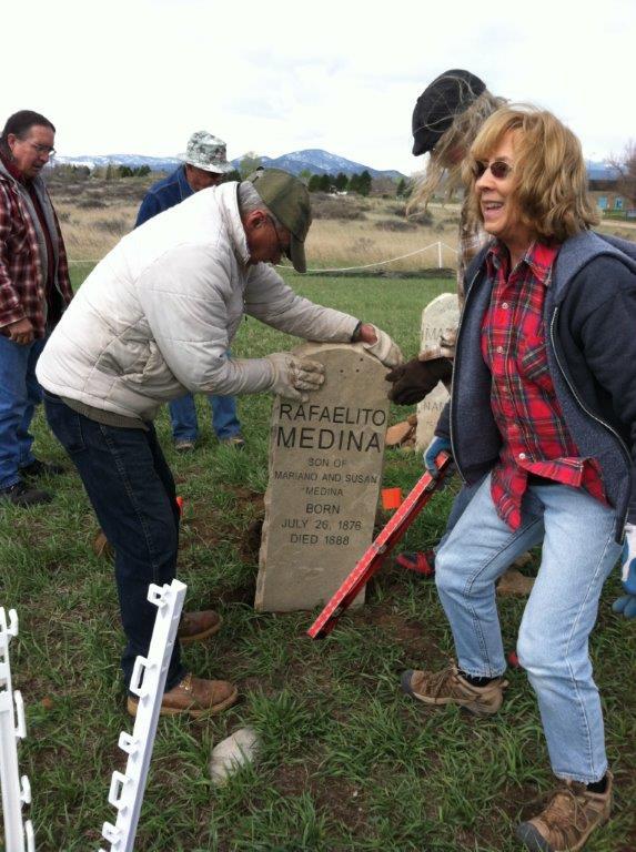 Volunteers Mariano Medina Family Cemetery 5-17-2015