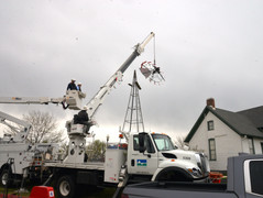 1923 Windmill at Milner/Schwarz House Museum is restored and mounted!