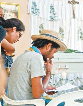 Velatorio y directores de cortometraje dominicano