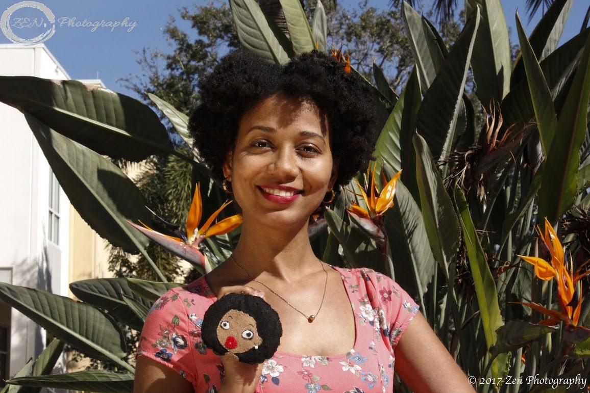 Indhira Suero, periodista y locutora
