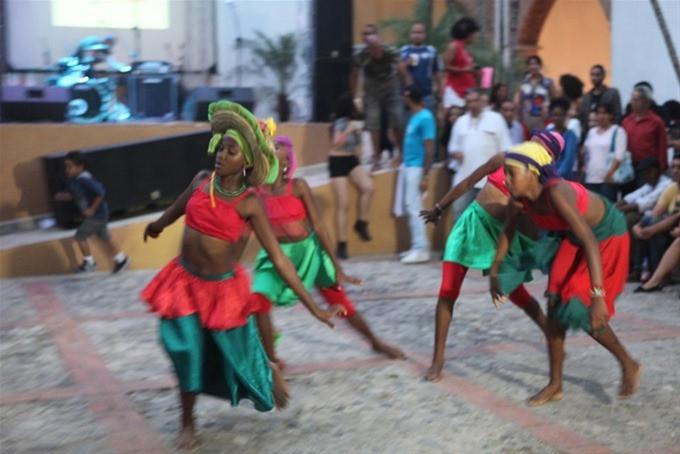 Kalalu, grupo de danza
