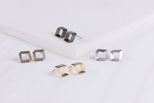 Hana Stud Earrings