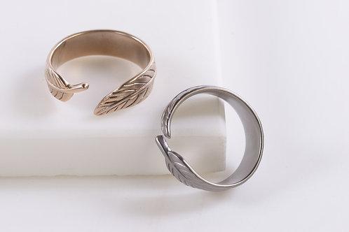 Pretty Leaf Ring