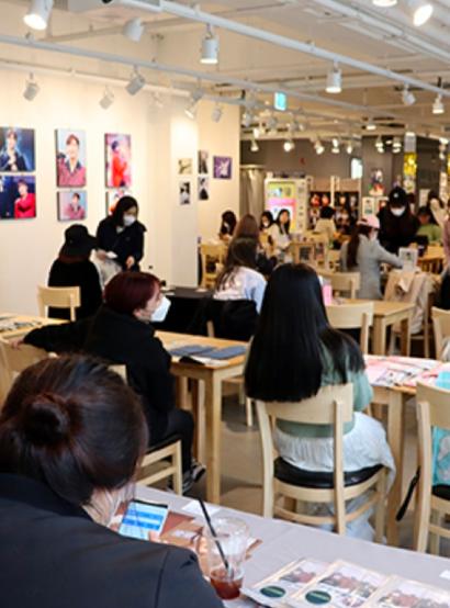 K-Fan Life: Seoul's Emerging 'K-Pop Flea Market' Trend