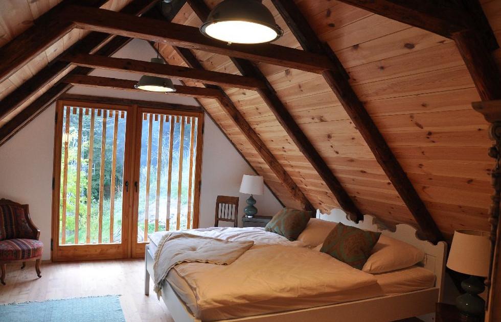 Zimmer mit Bauernbett
