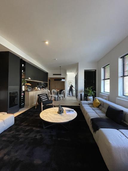 custom-ht-stripe-rug-_-black-_-jason-cooke-_-372-coventry-st-south-melbourne-3heic