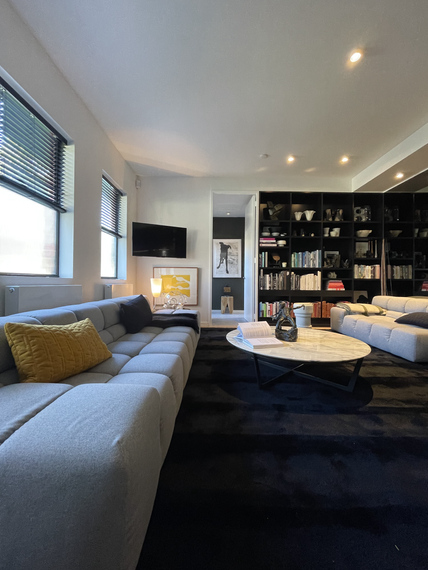 custom-ht-stripe-rug-_-black-_-jason-cooke-_-372-coventry-st-south-melbourne-8heic