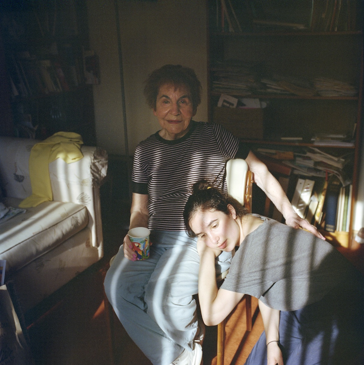 photograph of holocaust survivor and granddaughter