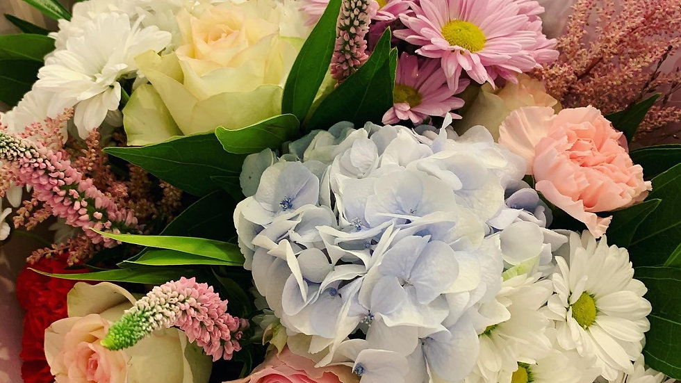 Simply Flower Club (Weekly or Monthly Subscription - £5 Delivery)