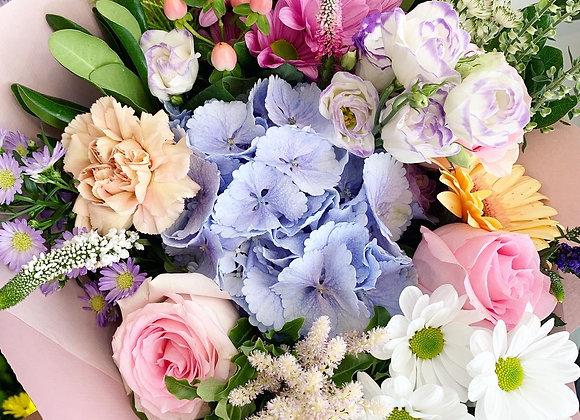 """""""Pastel Dreams"""" Gift Bouquet"""