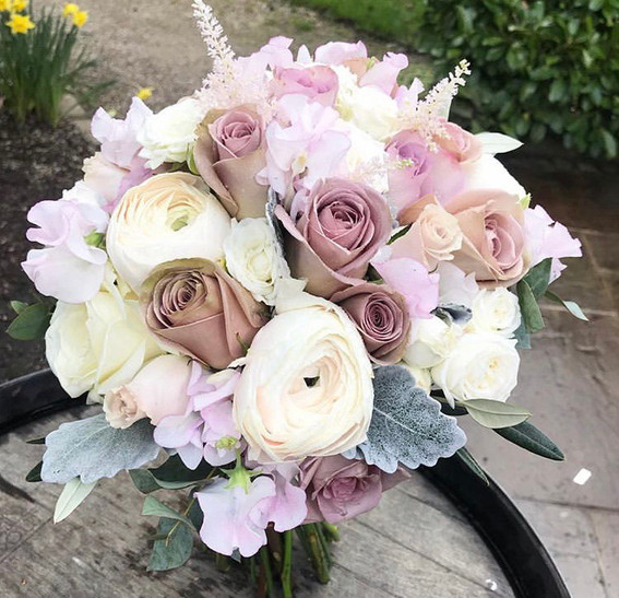 dusky pink and mauve wedding flowers