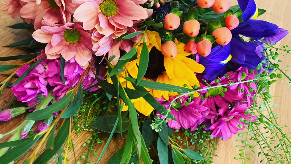Small Wrapped Seasonal Bouquet (choice of colours)