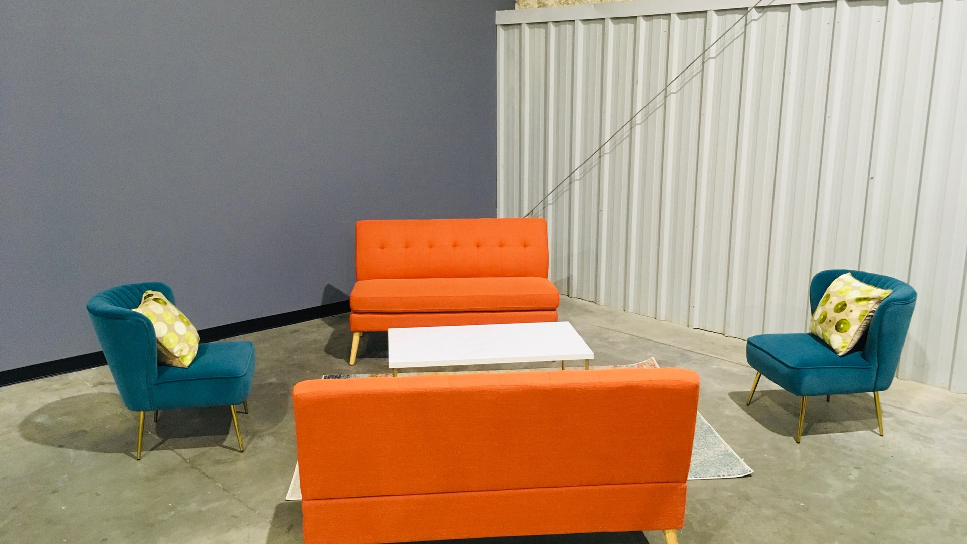 Lounge on Stage 2
