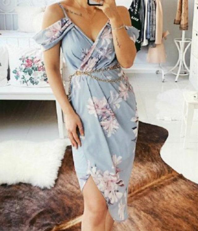 Light blue sleeve dress