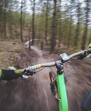 mountain-biking-1210066_1280.jpg