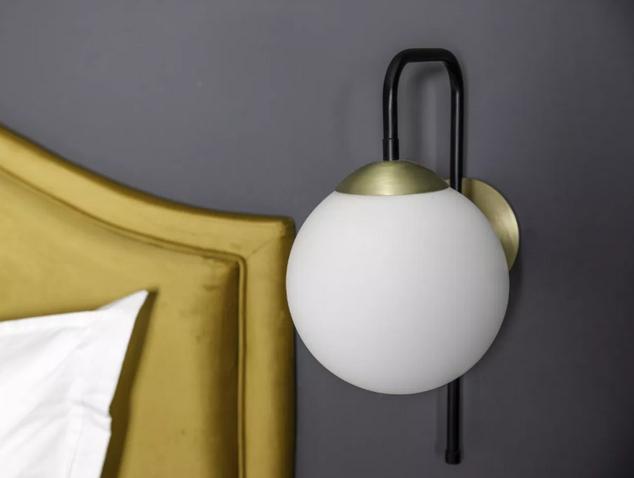 gold-curved-edge-headboard