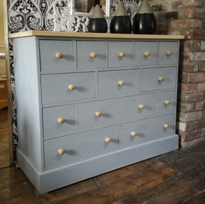 Chest of 13 drawers