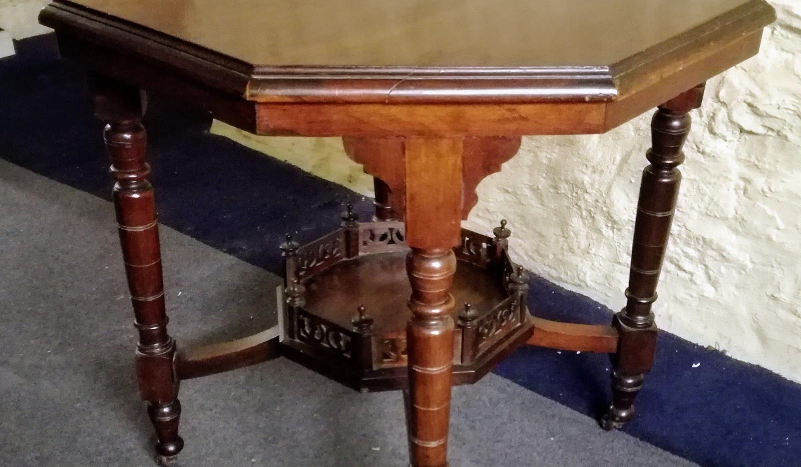 Victorian table (2).jpg