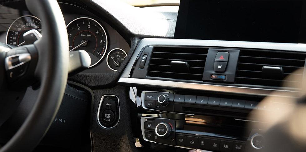 Ob Infotainment-System, Navigation oder Ausstattungslinie: Die Ausstattungsberatung bringt Sie bequem zum Neuwagen.