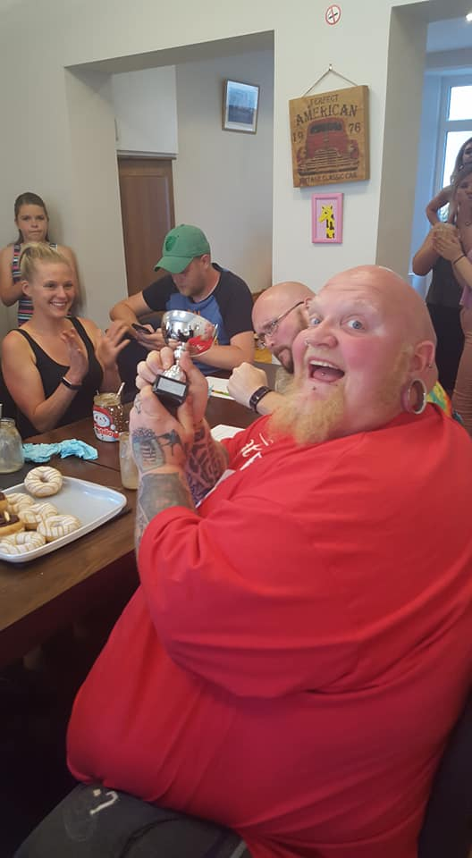 Man v Donut competion