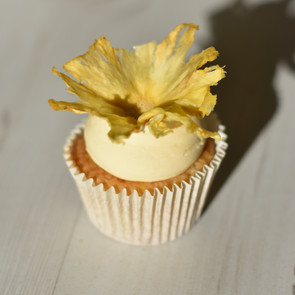 Cococnut and pineapple cupcakes
