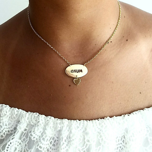 Gargantilha de Oxum com pingentinho de coração em prata 925 banhado a ouro