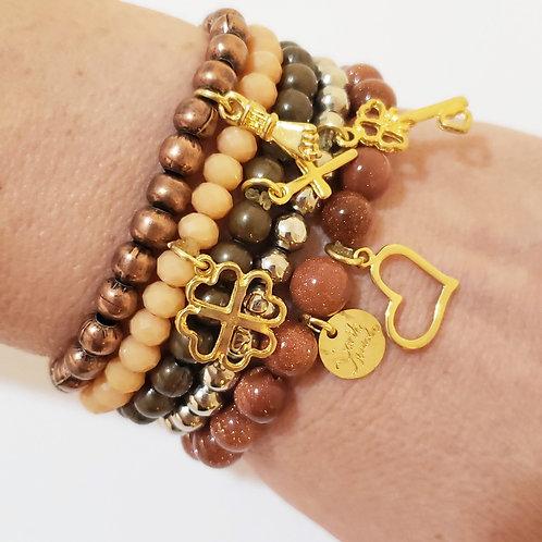 Kit de pulseiras com pingentes de amuletos