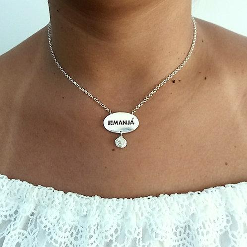Garagantilha de Iemanjá com pingentinho de conchinha em prata 925