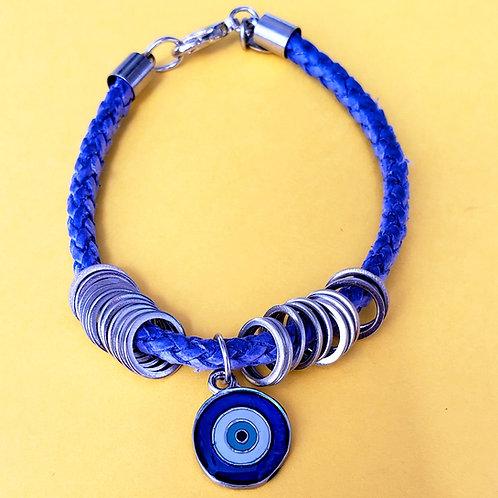 Pulseira de couro trançado azul com pingente de olho grego