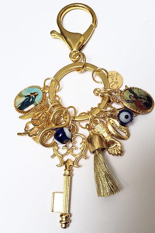 Chaveiro Balangandã dourado com chave e amuletos