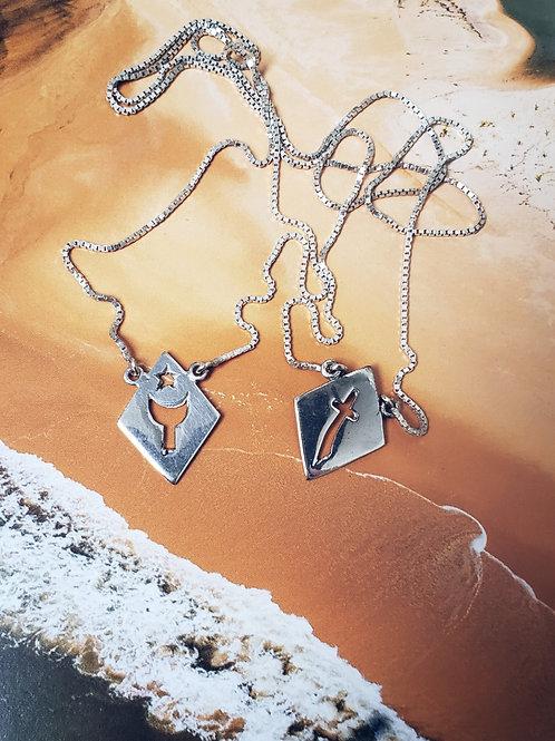 Escapulário de orixás em prata sem pedras