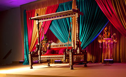 Scène des mariés colorés.jpg