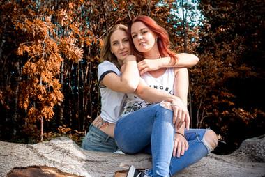 Outdoor female duo