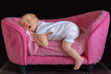 passed-out-cambridge-newborn-photographe
