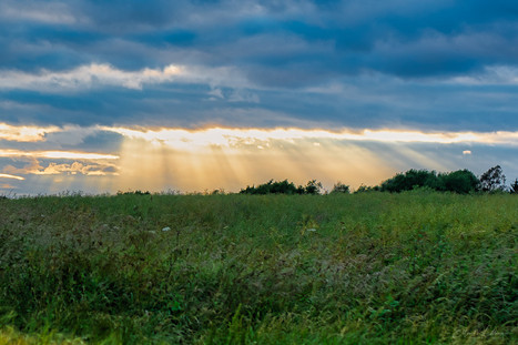 Sunrays through Clouds. Travel. Travel blog. Road Trip. Travel tips. Travel Photography. Photography. Commercial. United Kingdom. Europe. Gap year. Wanderlust. camper van. Camping.