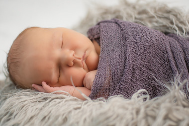 wrapped-cambridge-newborn-photographer.j