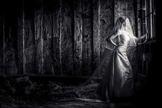 The waiting Bride