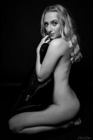 fineart-blonde-portrait.jpg