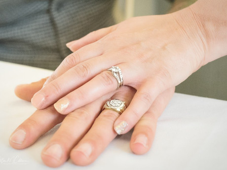 How do I  choose a wedding photographer?