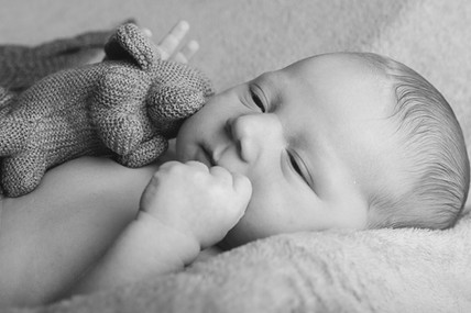 black-and-white-newborn.jpg